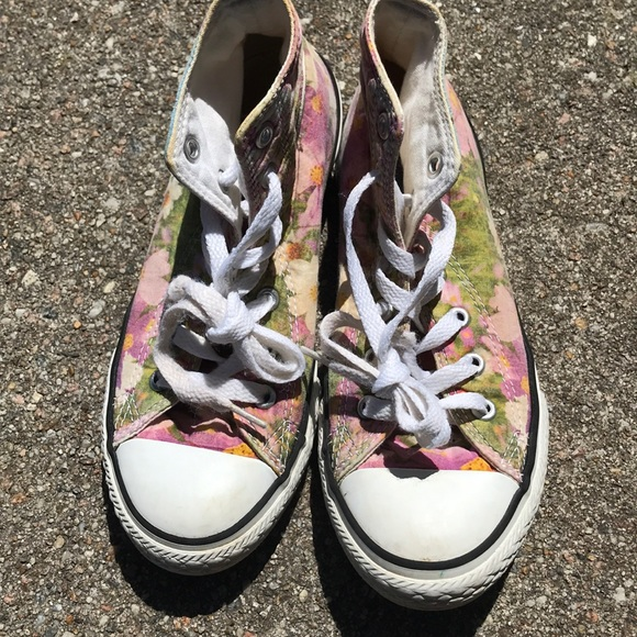 4c1ede0fcdaa Converse Other - Floral print converse size 2